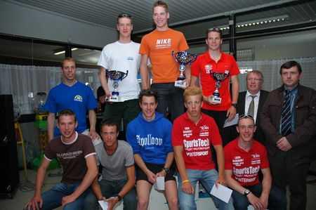 Simon De Cuyper en Sophie De Groote winnen triathlon Lebbeke