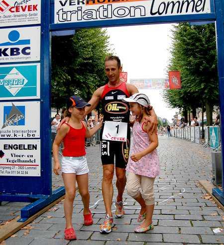 Koen Hoeyberghs en Kristien Vleugels winnen triathlon Lommel.