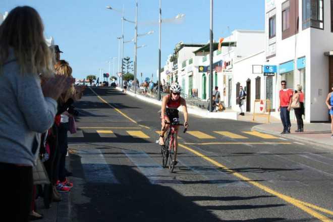 Amber Rombaut Timanfaya fiets