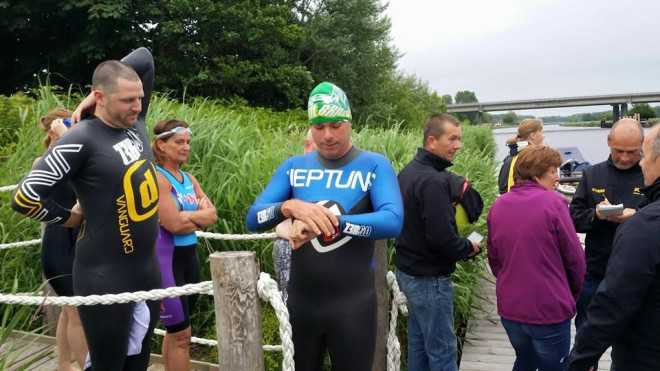 Hans Cleemput Oud-Gastel proefzwemmen