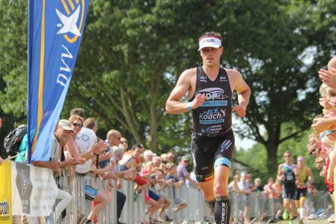 Tim Brydenbach loopt finish Retie