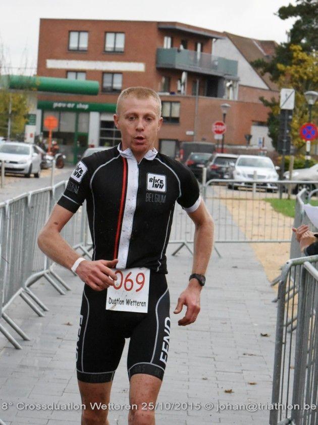 Geoffry Maes wint in Wetteren (foto: Johan Tack)