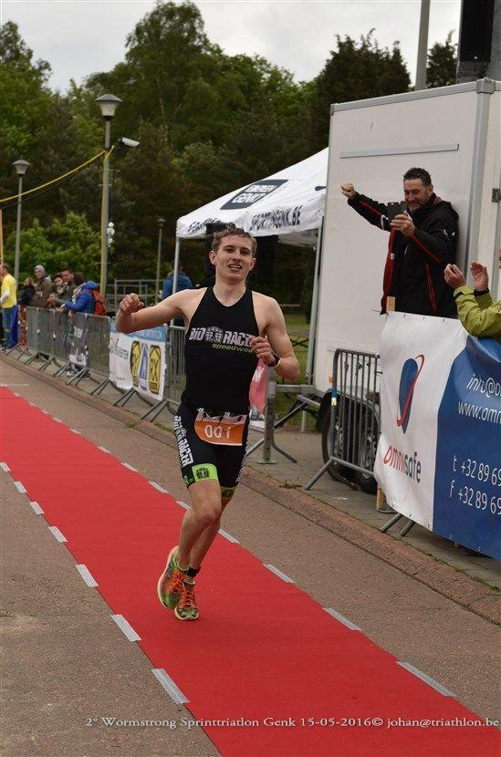 Wouter Simons wint Genk 2016