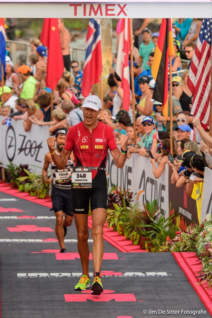 Rodolphe Von Berg aan de finish in Hawaii in 2016 (foto: Jim De Sitter)