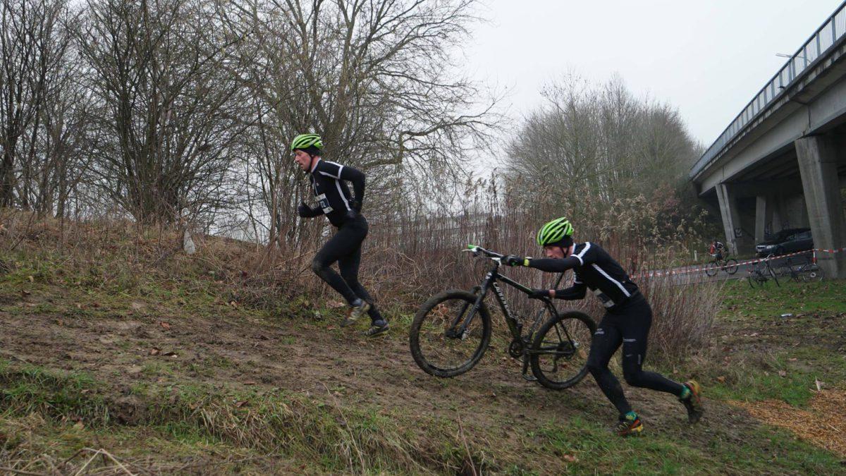 Eindspurt beslist over winst in Run&Bike Gullegem