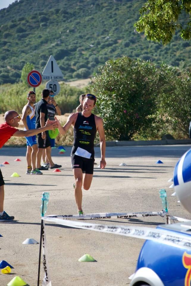 Jim Thijs wint in Sardinie