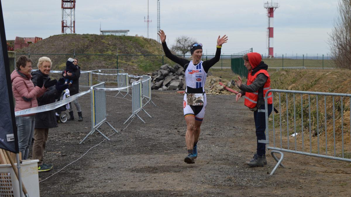 Rik Deckx en Inge Roelandt overwinnen Nossegemse leemgrond