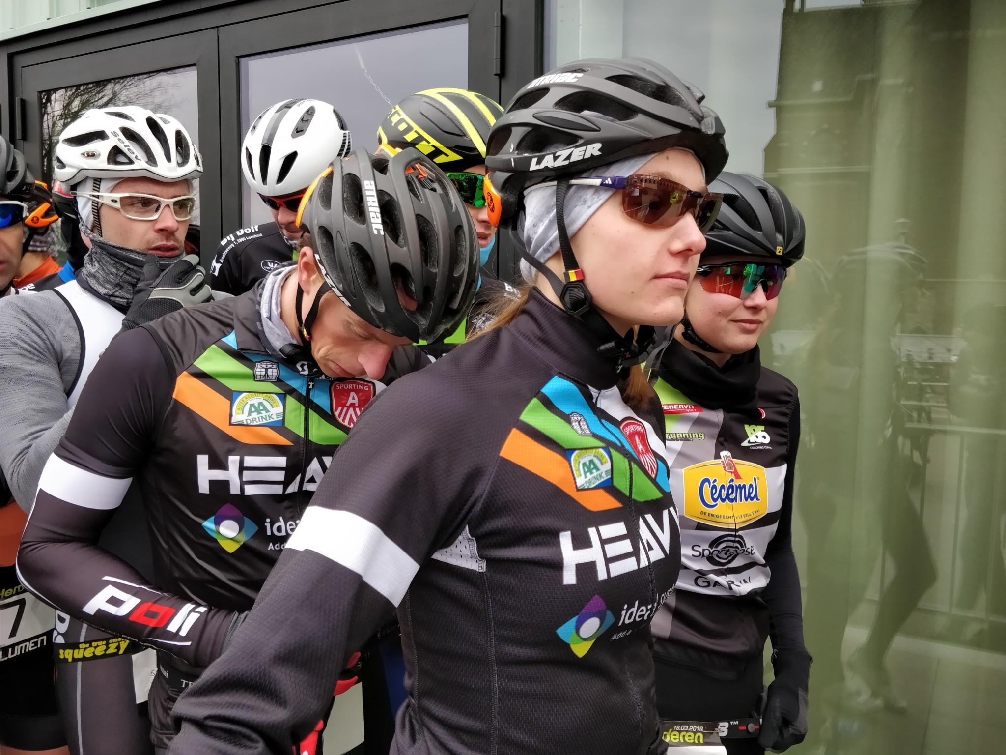 Klaar voor de start van het fietsen (foto: 3athlon.be/Hans Cleemput)