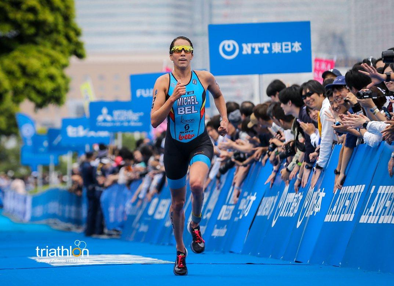 Claire Michel op weg naar top-5 in Yokohama (foto: ITU/Tommy Zaferes)