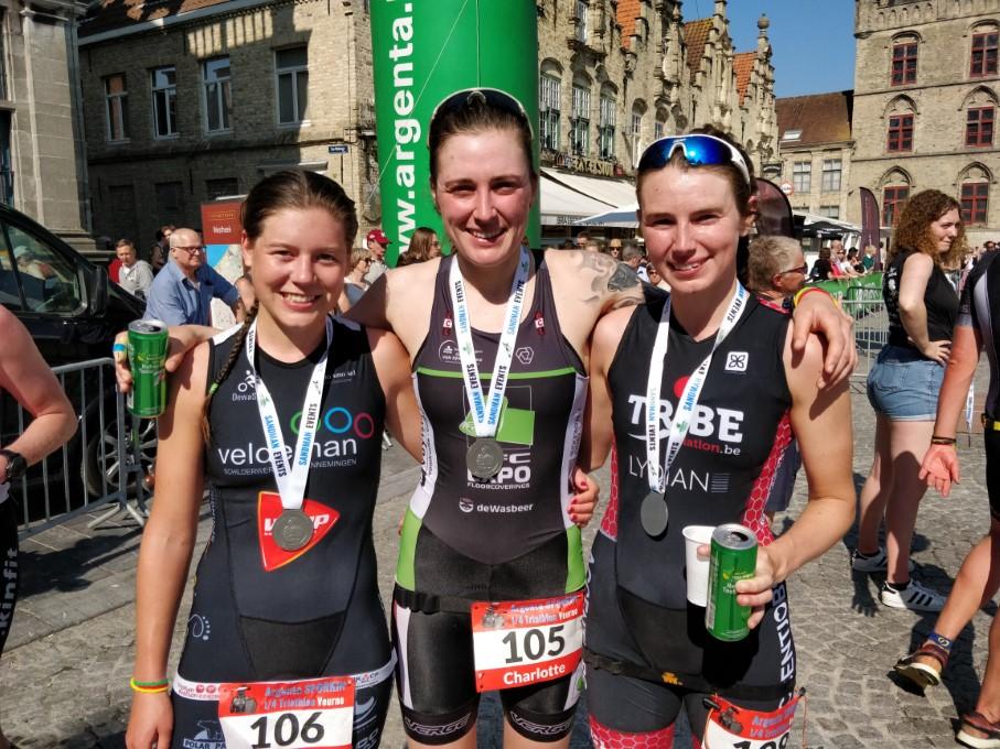 Timmerman, Deldaele en Vandemoortele, top-3 bij de vrouwen (foto: 3athlon.be/Hans Cleemput)