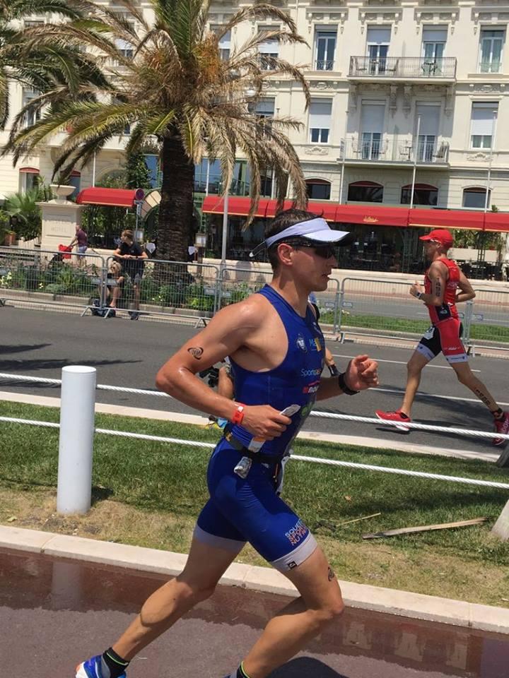 David De Grooff op weg naar age group winst in Nice (foto: Trinity)