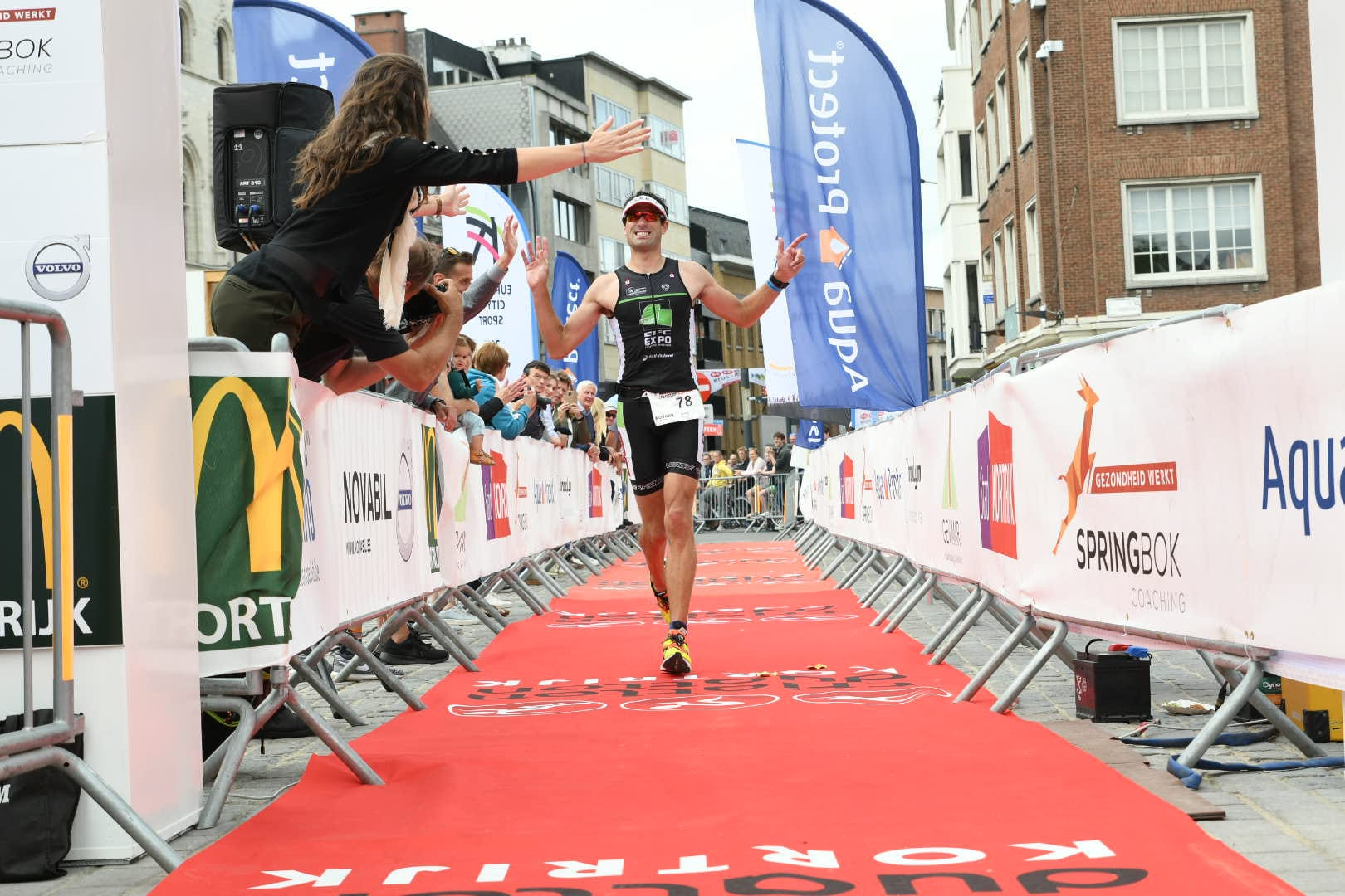 Hannes Cool wint in Kortrijk (foto: 3athlon.be/Mario Vanacker)