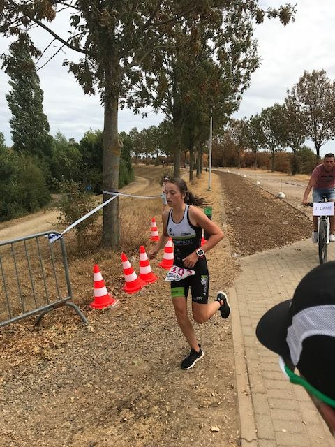 Laurien Billen wint de 1/8ste triatlon in Kinrooi