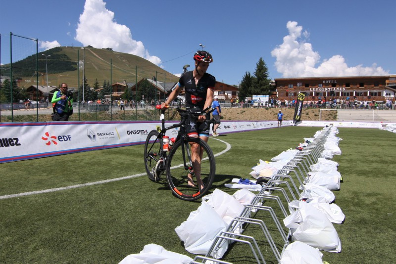 Sven Van Luyck tweede in de wissel (foto: 3athlon.be/Kilian Hendrickx)