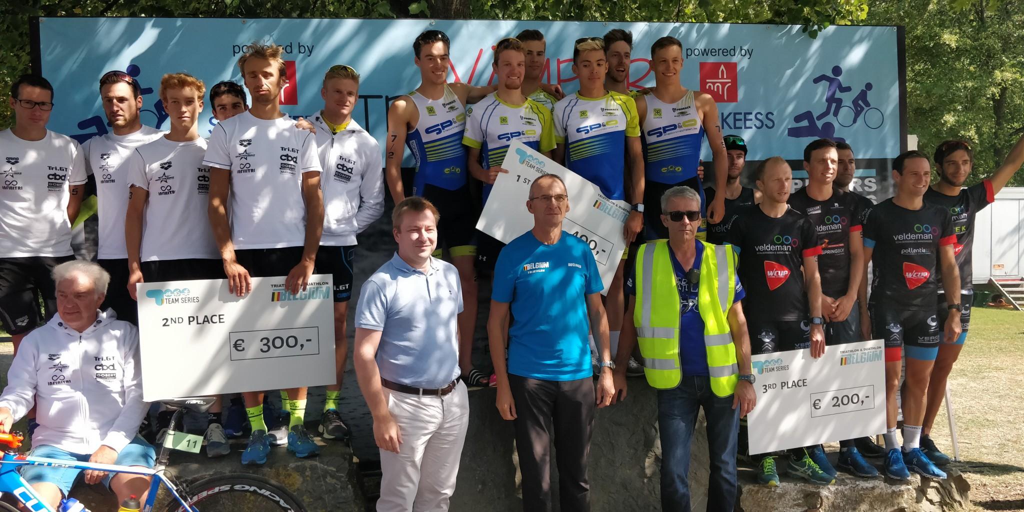 Trigt, SP&O en 3MD op het podium in Weiswampach (foto: 3athlon.be/Hans Cleemput)