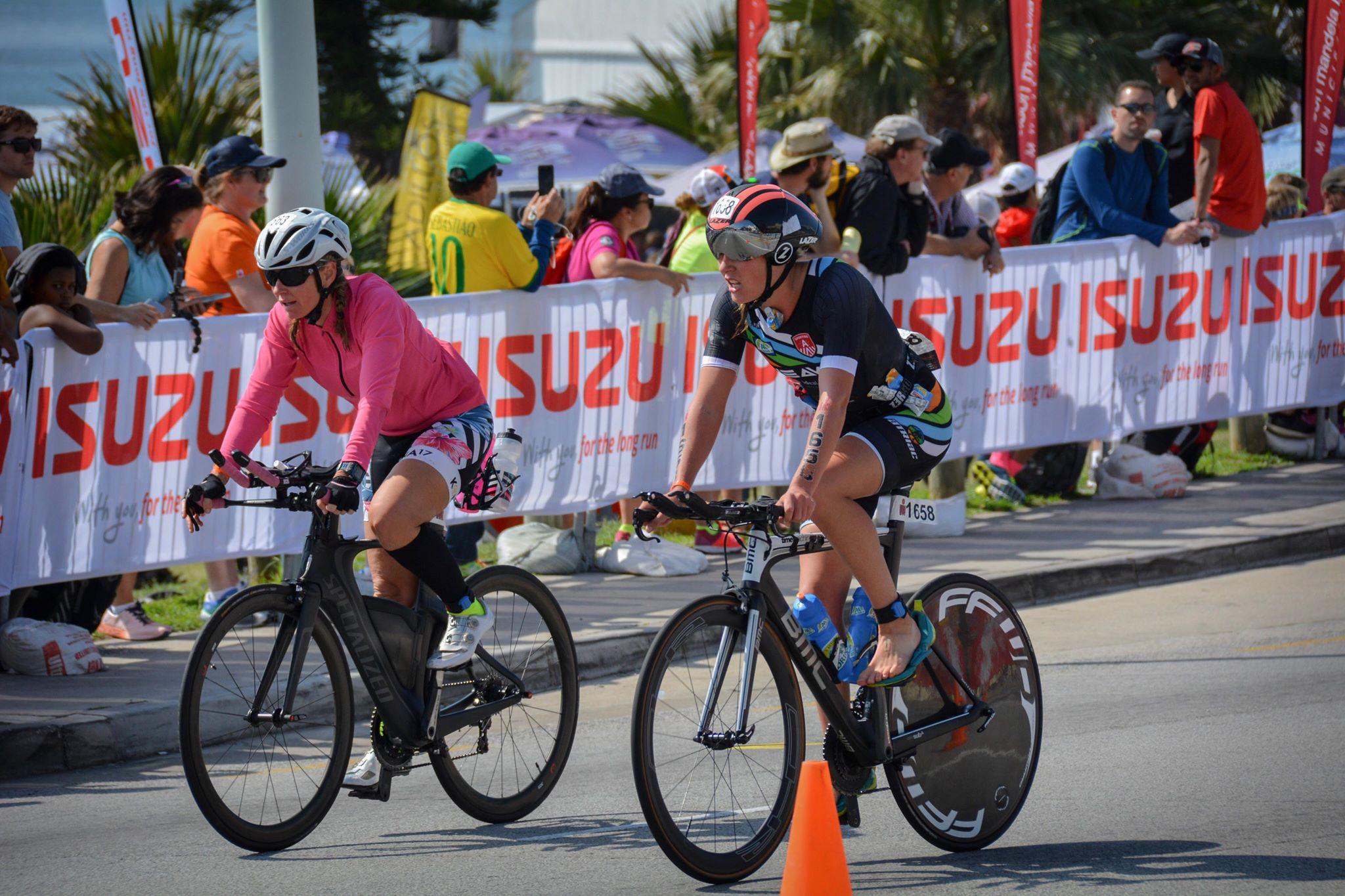 Sara fietst sneller dan 15 pro's (foto: Dirk Van De Vel)
