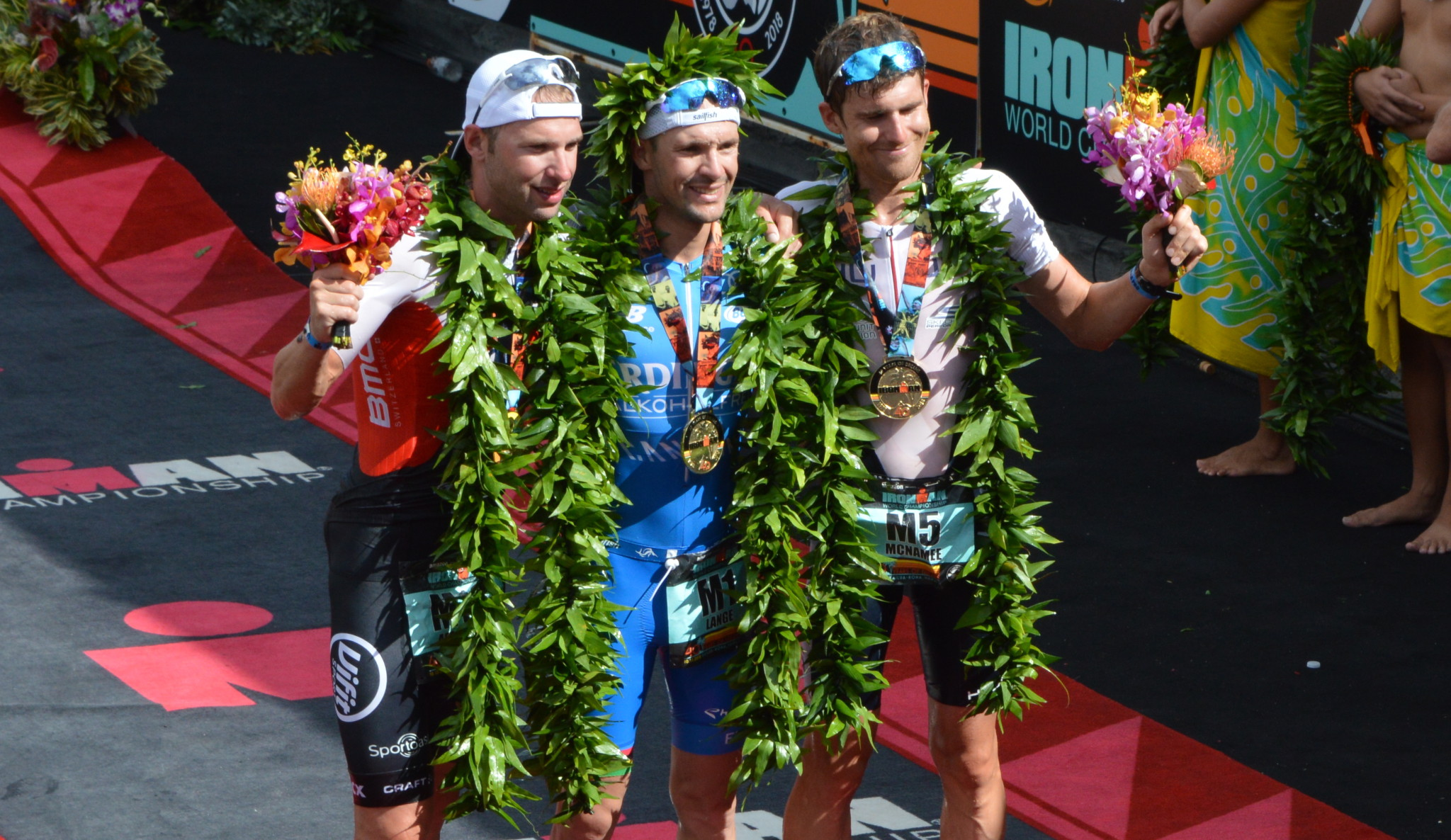 Bart Aernouts op het podium in Hawaii 2018 (foto: 3athlon.be/Hans Cleemput)