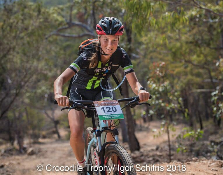 Lotte De Vet in de Crocodile Trophy (foto: Crocodile Trophy/Igor Schifris)