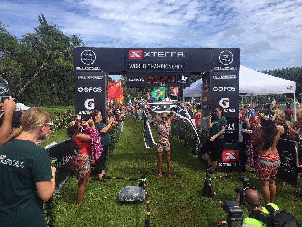 Lesley Paterson pakt haar derde wereldtitel (foto: Xterra)