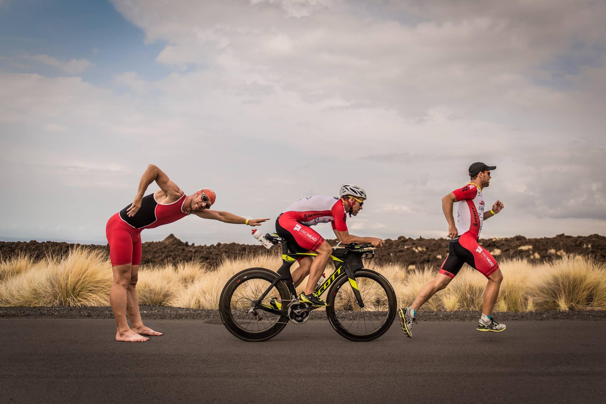 Swim, bike en run in Hawaii met Olivier Cardoen in 2016 (foto: Jim De Sitter)