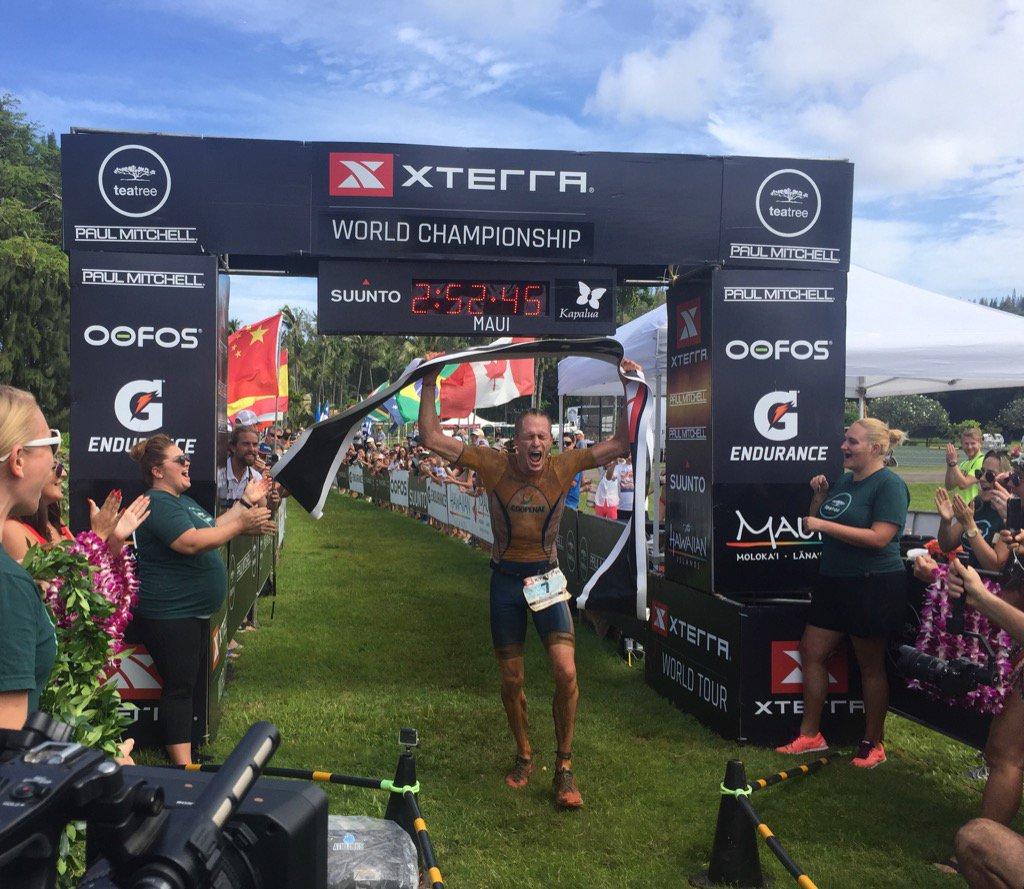 Rom Akerson wereldkampioen Xterra Maui (foto: Xterra)
