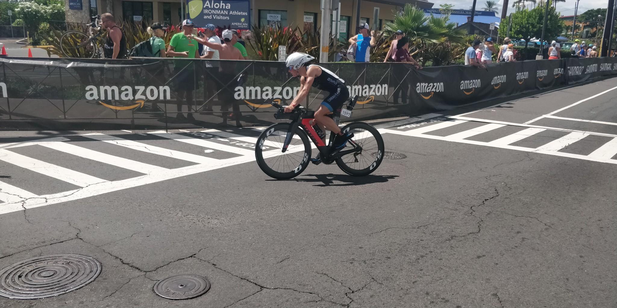 Stefanie Adam eerste age grouper op de fiets (foto: 3athlon.be/Hans Cleemput)