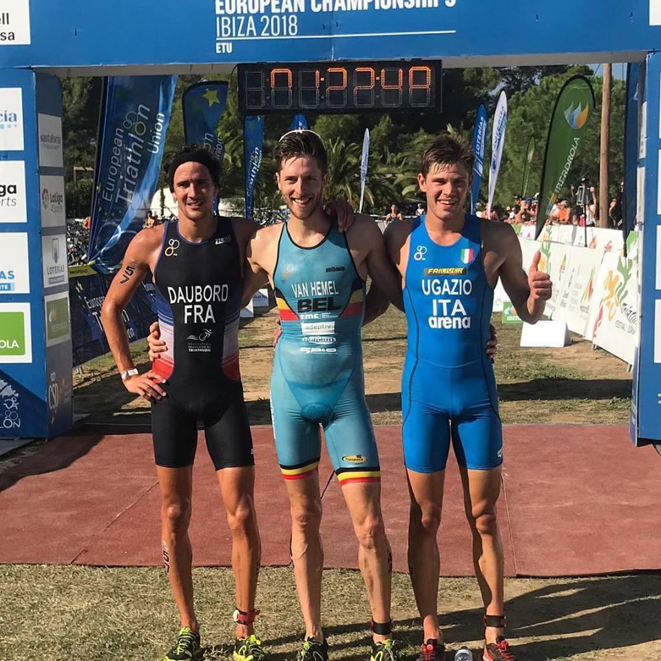 Europees kampioen Tim Van Hemel tussen Daubord en Ugazio (foto: ETU)