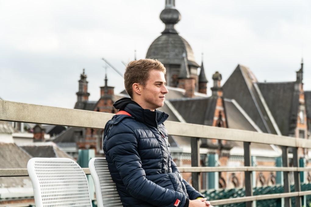 """""""Als ik kijk naar de Ronde van Frankrijk is dat toch met een jaloers gevoel"""" – Marten Van Riel oprecht in Gare Centrale"""