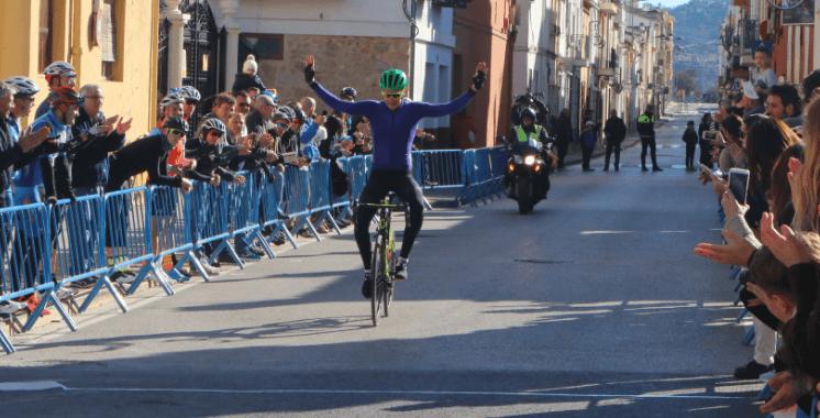 Brownlee en Belgische triatlete winnen eerste rit in Volta A La Marina