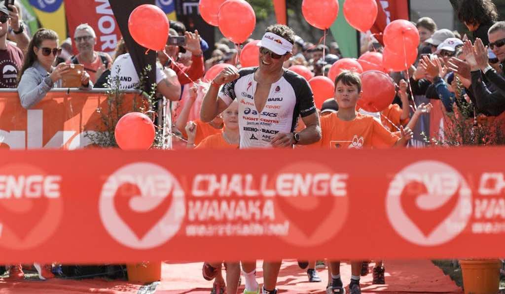 Braden Currie wint in exact 4 uur, Hannah Wells pakt 2de pro zege in Challenge Wanaka
