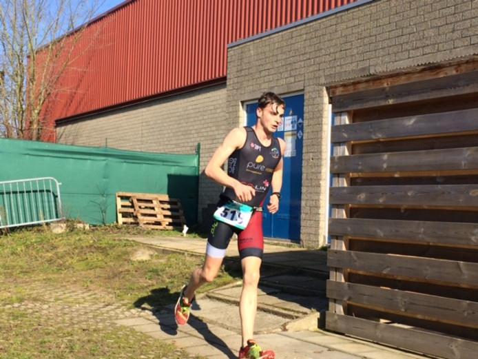 Lars Baeyens wint eerste zwemloop van 2019 in Kapelle