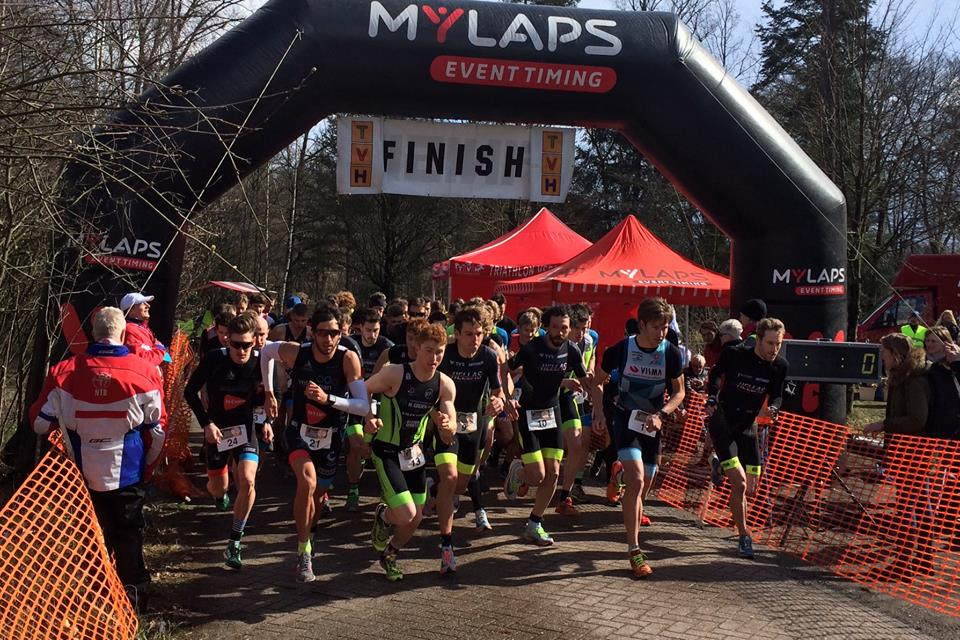Kim Nulens 2de en 3MD-Belgen in top-10 in Run Bike Run Series in Hilversum