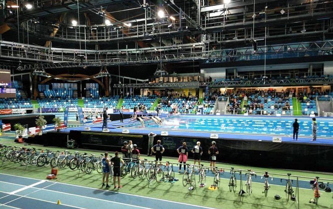 Europabeker seizoen begint met 5 Belgen in spectaculaire indoor triatlon