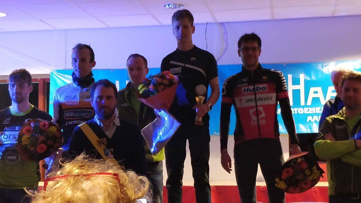 Sander Heemeryck en Jonie Vanhoutte winnen Veloopzwem