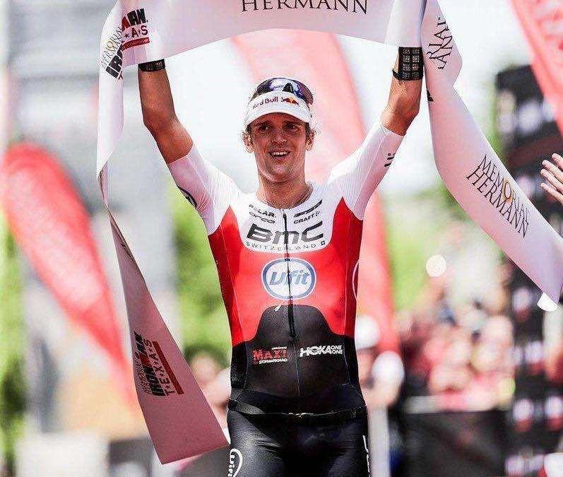 Patrik Nilsson pakt zege in snelle Ironman Texas, Daniela Ryf zonder overschot