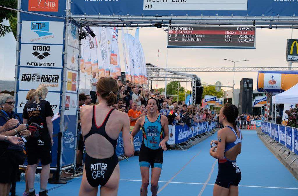 Claire Michel pakt brons op EK triatlon in Weert