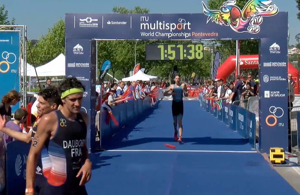 WK cross triatlon in Pontevedra in beeld – video