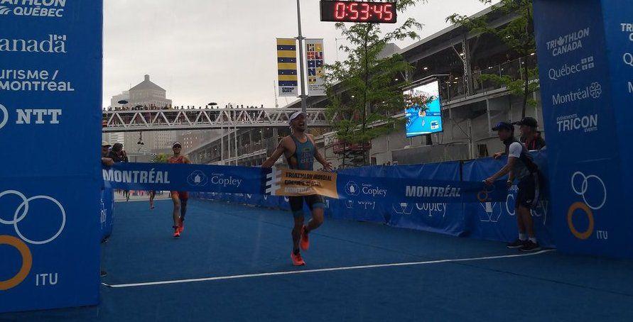 Jelle Geens schrijft geschiedenis in Montreal en wint als eerste Belg WTS triatlon