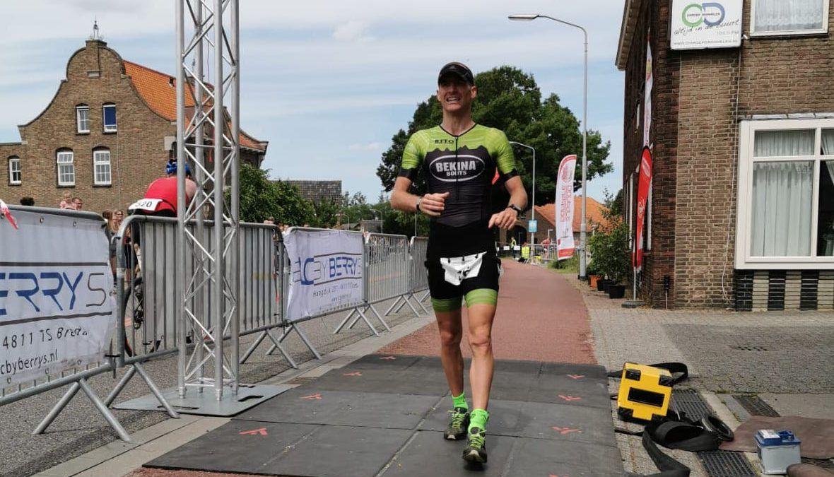 Belgische triatleet Kim Colpaert wint halve van Terheijden