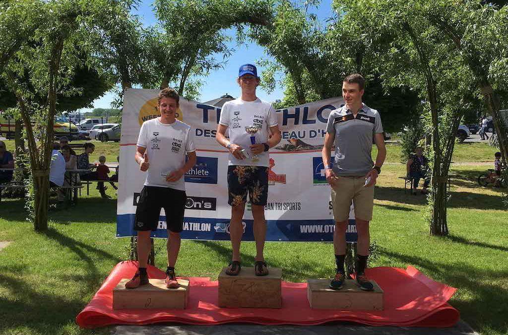 Wouter Monchy wint halve triatlon bij Lacs de l'Eau d'Heure