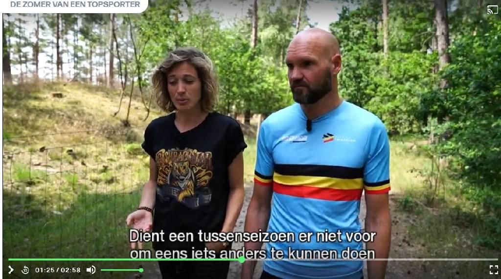 Triatlon bondscoach Nick Baelus bij Imke Courtois in 'Zomer van een Topsporter'