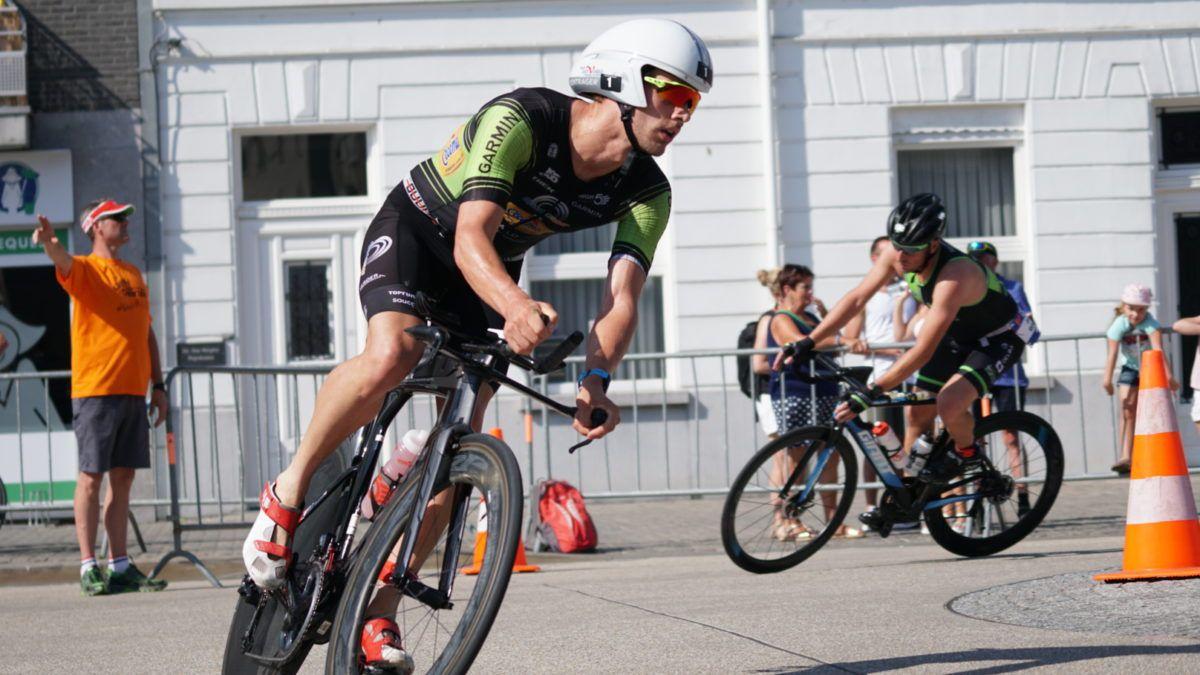 Goetstouwers en Verstuyft winnen eerste 111 triathlon in Deinze