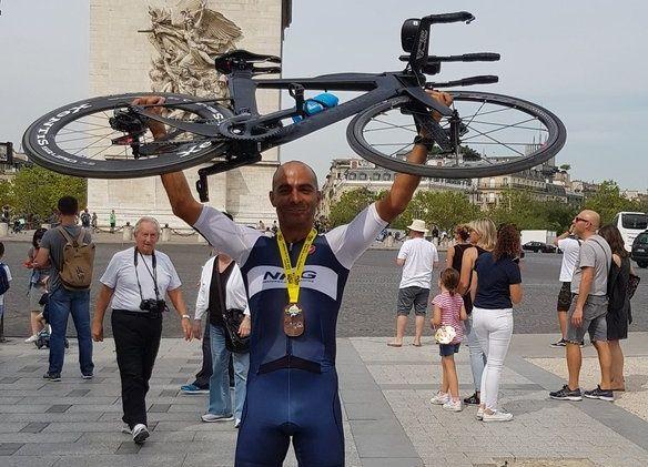 Indische triatleet breekt week oude wereldrecord Enduroman Julien Deneyer