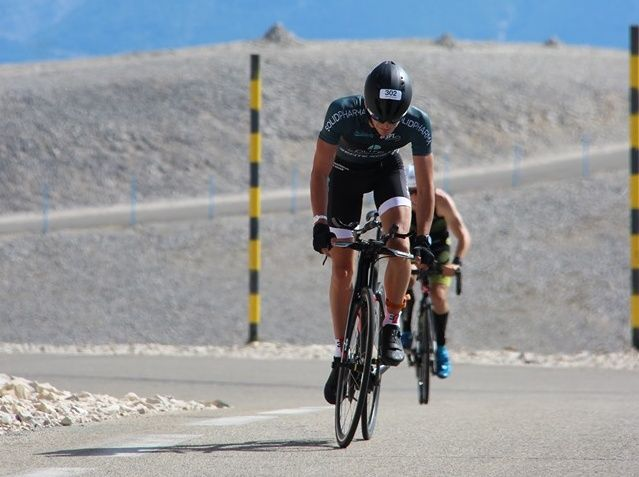 Mennesson en Lester winnen Ventouxman, Belgische triatleet Lars Baeyens 25ste
