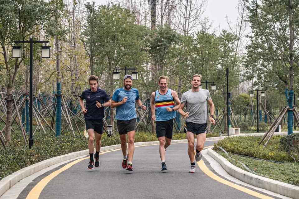"""Triatlon Vlaanderen geeft trainingsadvies: """"Blijf sporten, maar niet in groep"""""""