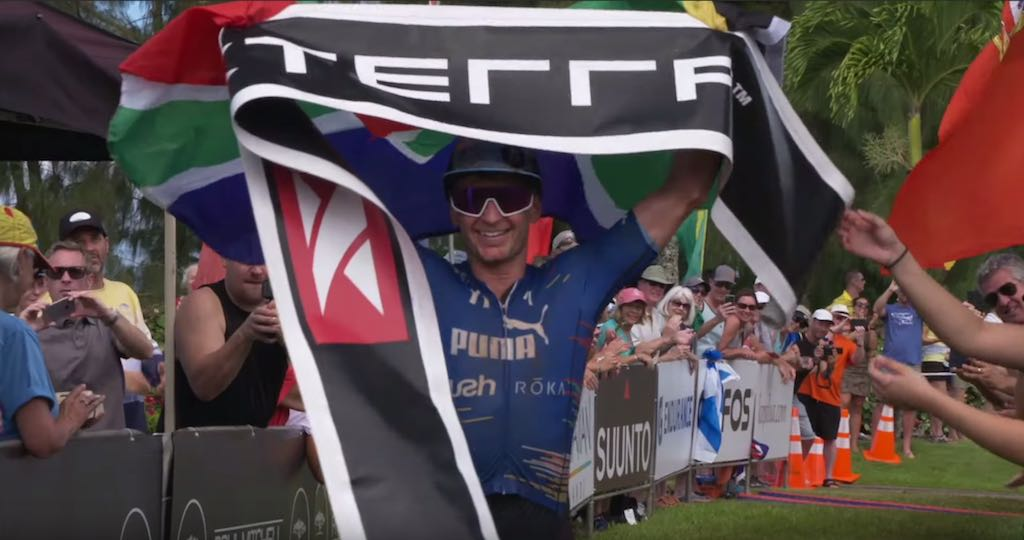 Alle spektakel van WK Xterra Maui in beeld in highlight video
