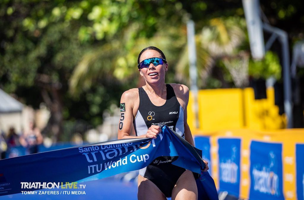 Hewitt en McElroy winnen laatste world cup triatlon van 2019 in Santo Domingo