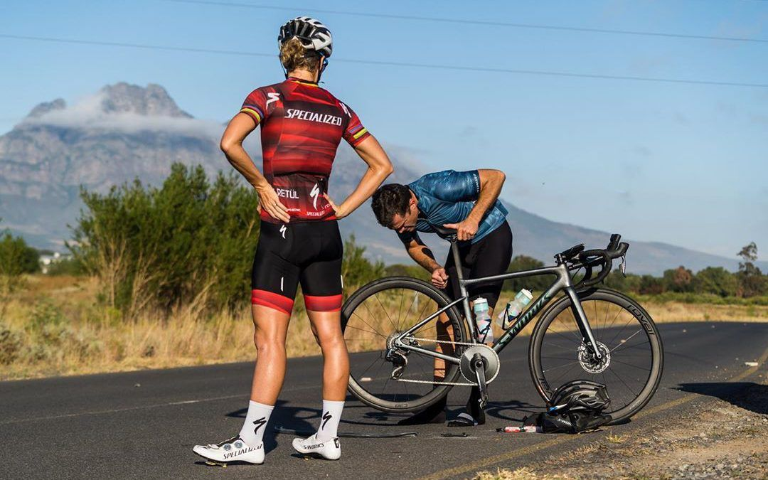 Pro triatletes en bandenwissels