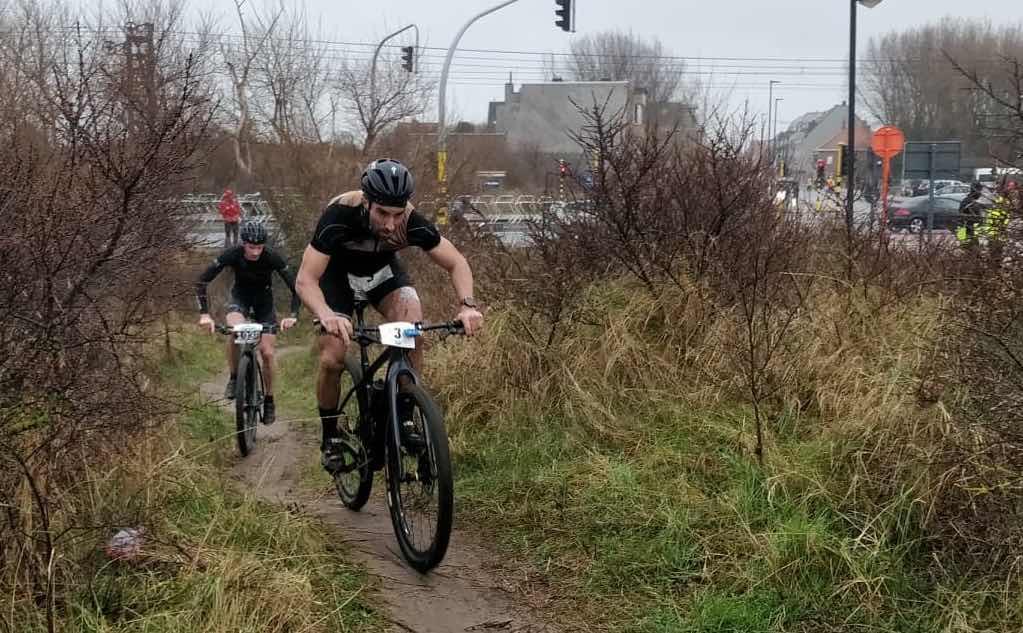 Stormwind, regen en top prestaties: Kristof Declerck wint Inferno Sandman