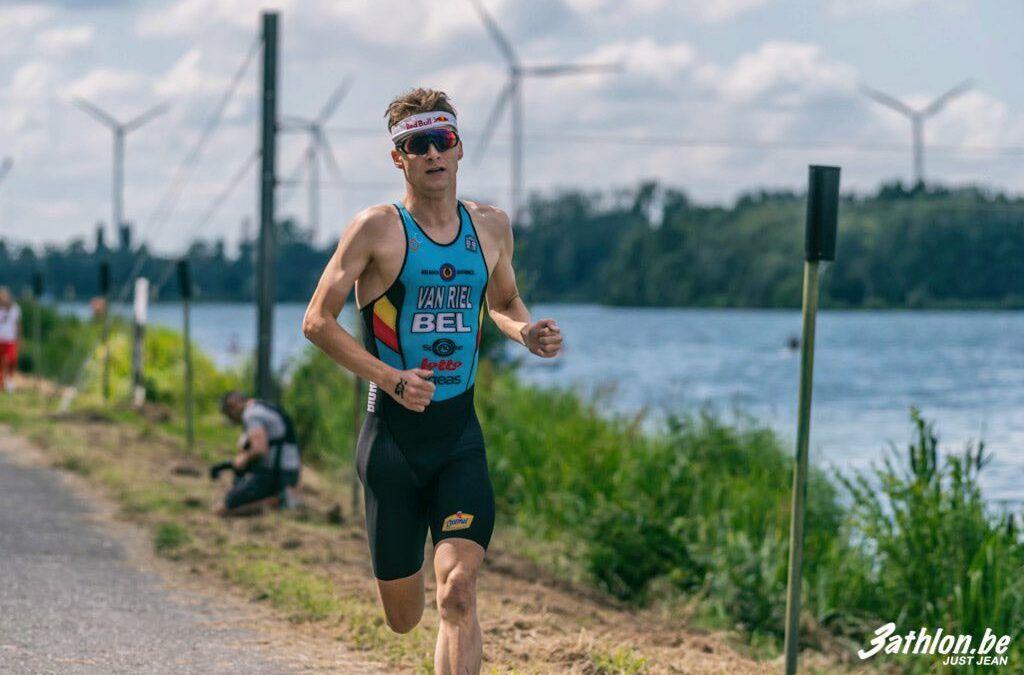 """Triatleet Marten Van Riel woensdag in de Container Cup: """"Voel wel wat druk met 2 van mijn sporten in de Container…"""""""